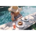 プールで朝食❤️贅沢すぎる…プライベートBeachも✨水着でのんびり♡